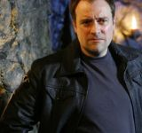David Hewlett et des travers de porc