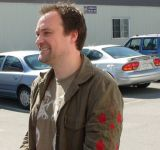 David Hewlett et un latte Stargate